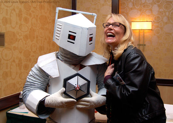 White Robot and Daphne Ashbrook at Gallifrey 20